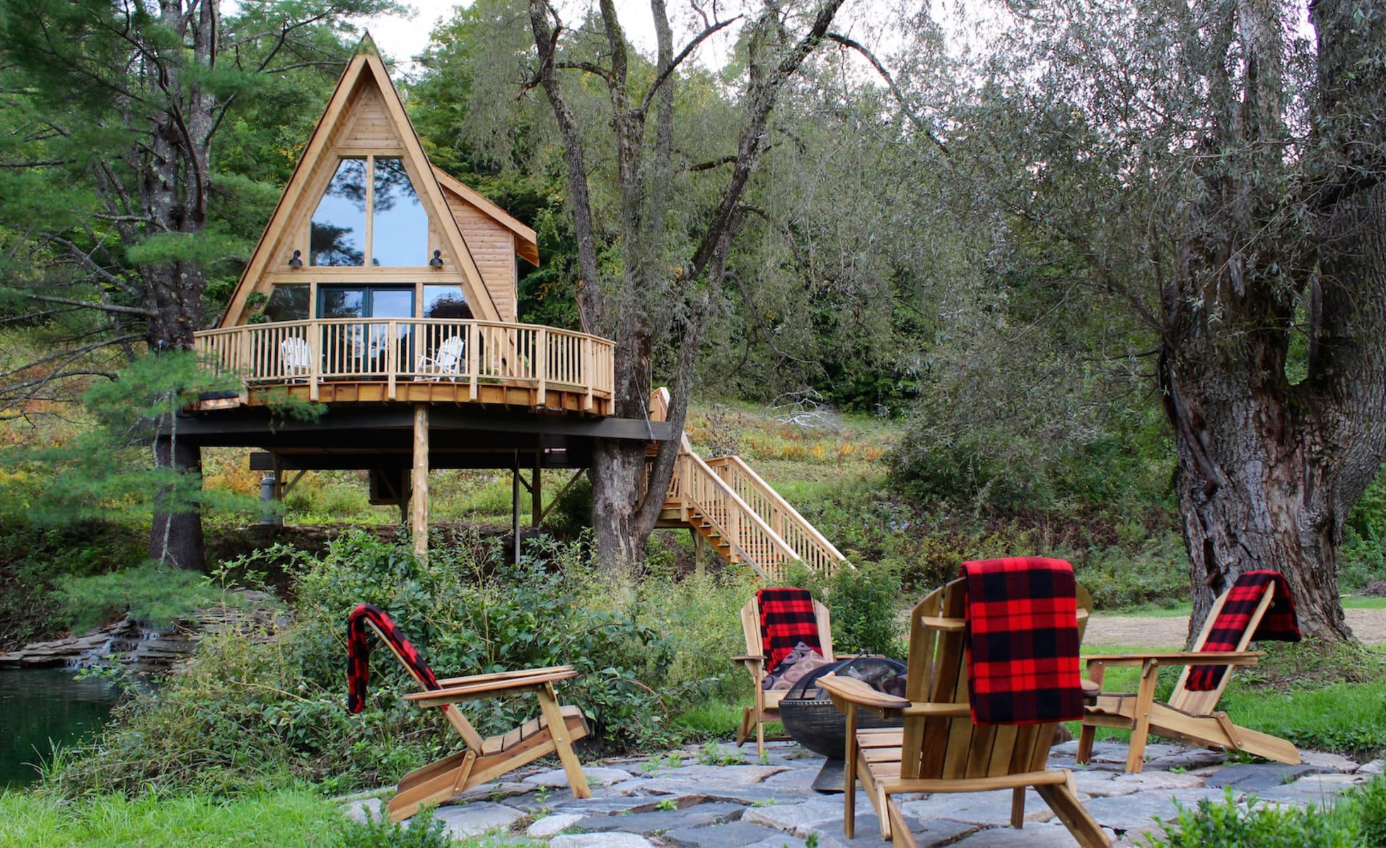 Private fire pit and treehouse