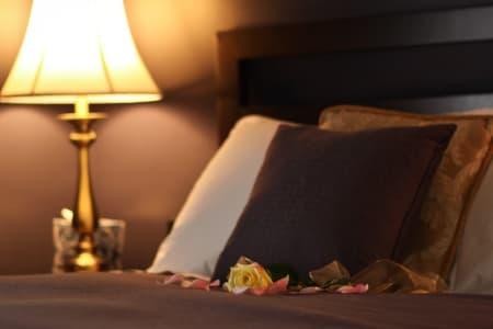 Renoir offers a queen bed