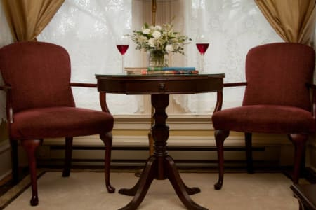 Pissaro Guest Room