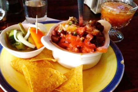 Manzanillo Town - Restaurants & Grocery Stores