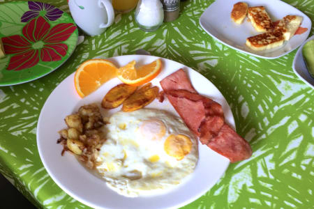 Breakfast Patio & Food Pics