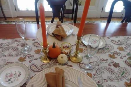 Sitting Area & Dining Room