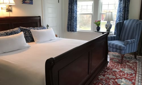bed in governor suite
