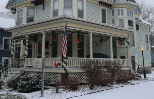 Christmas comes to the Franklin Street Inn Bed and Breakfast
