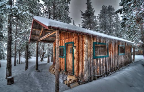 Rustic Cabins on Paulina Lake