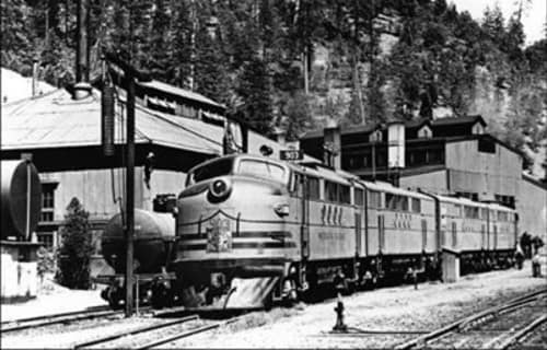 Travel the Feather River Canyon by Train
