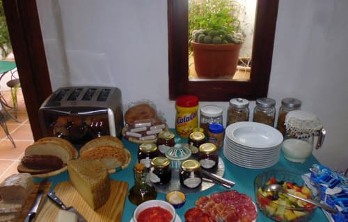 Breakfast at Los Castaños
