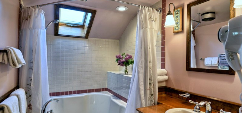 Private bath with jetted tub