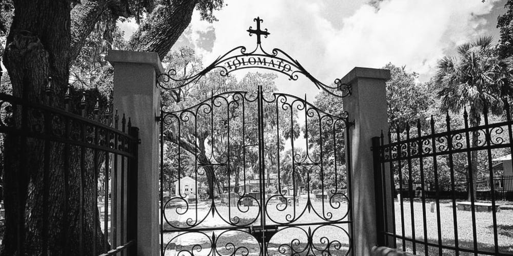 Tolomato Cemeterey Guided Tours