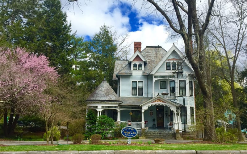 Celebrating 25 years as the Premier Bed and Breakfast in Asheville, North Carolina