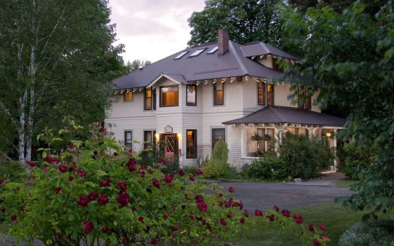 Old Parkdale Inn in Oregon's Hood River Valley