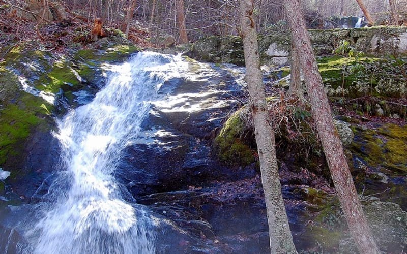 How to Hike Crabtree Falls Like a Local