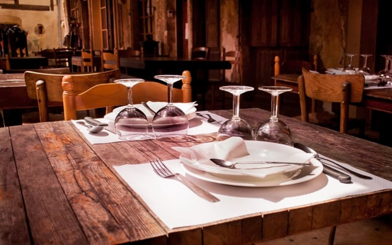 4 Closest Places to Eat Near Sugar Tree Inn