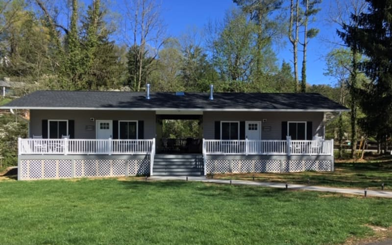 Extended-Stay Vacation Rentals at Brookside!