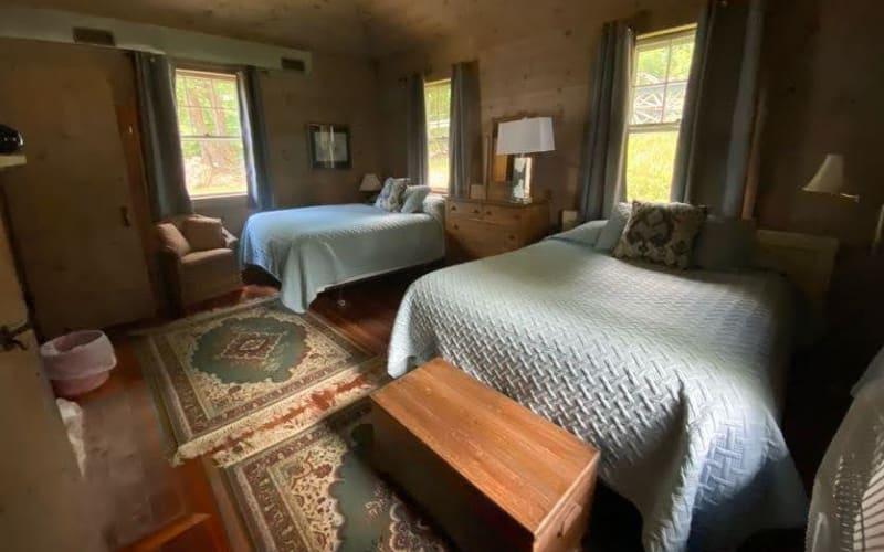 Bedroom 3 - Two Queens