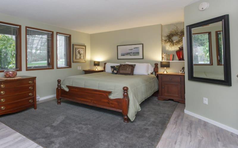 Main bedroom in Coles Bay Suite