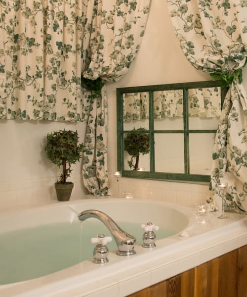 Ivy Solace Tub