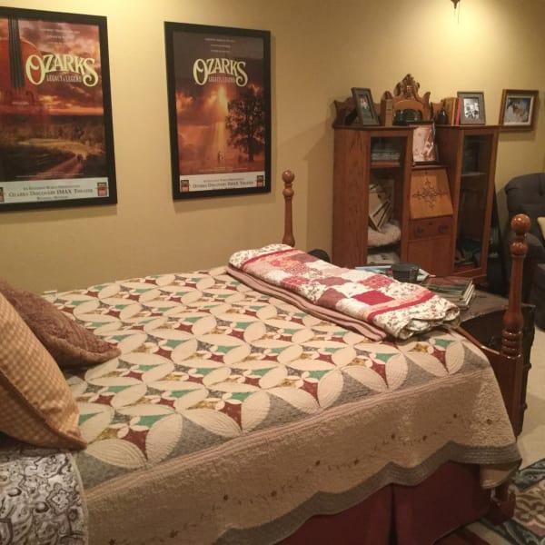 Ozarks Queen  Guestroom