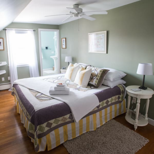 Mount Hope Guest Room