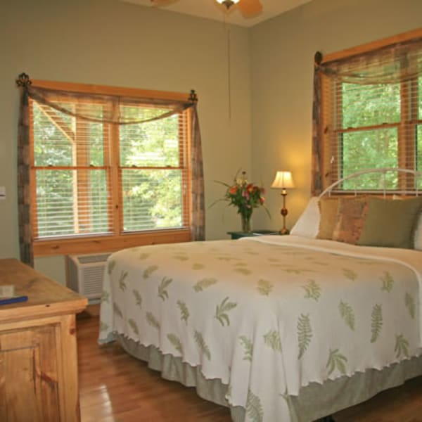 Fern Room with king bed, fine linens, windows