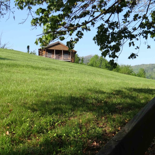 Engadine Inn & Cabins At Honey Hill