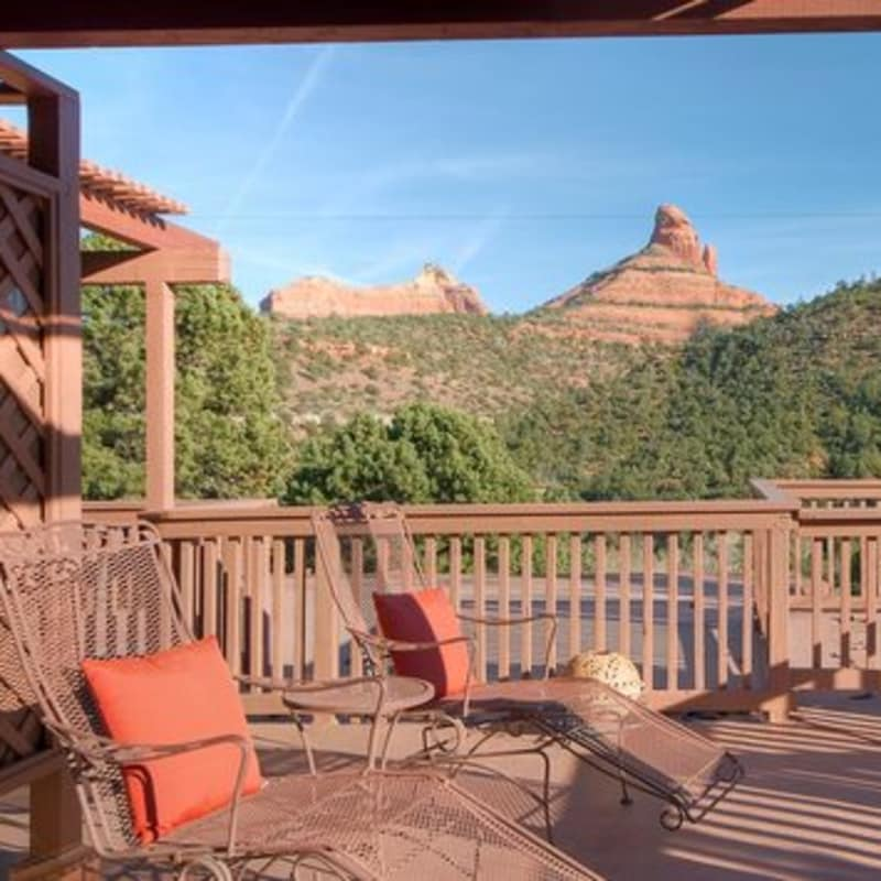 wrap-around private deck IN THE SUNRISE, SUNSET SUITE - SEDONA VIEWS B&B