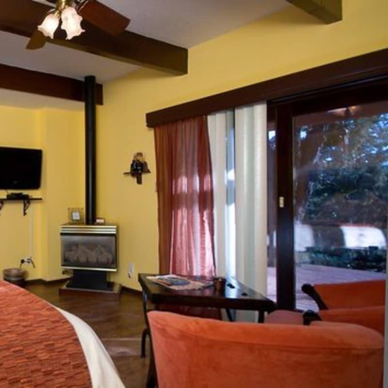 THE cozy fireplace IN THE SEDONA SERENADE SUITE - SEDONA VIEWS B&B