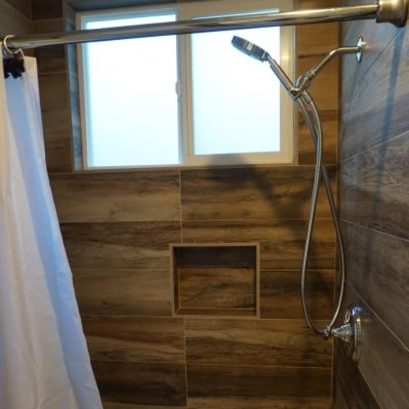 Room 26, shower