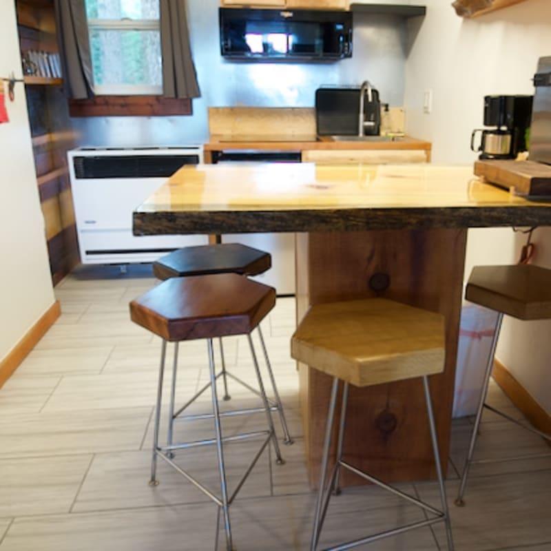 Room 28, countertop & stools
