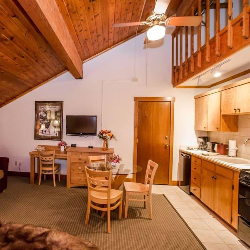 Kitchen Upstairs: Lodge Kitchen Loft