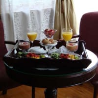 Add a private in room breakfast to your reservatoin