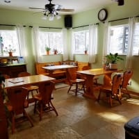 Atomic Chalet B&B dining room