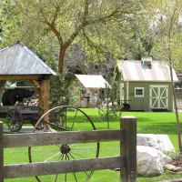 quiant little cabins in Huntsville