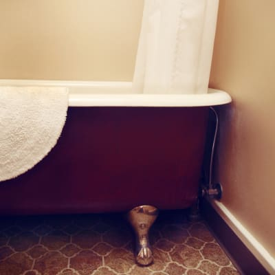 tubs for relaxing: Historic Balch Hotel, centrally located on the columbia river gorge in Dufur, OR