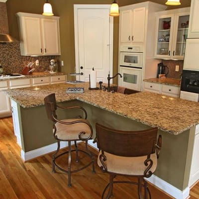 kitchen and bar at The Villa at Waters Edge - a Luxury Vacation Rental on Lake Wylie in Belmont NC