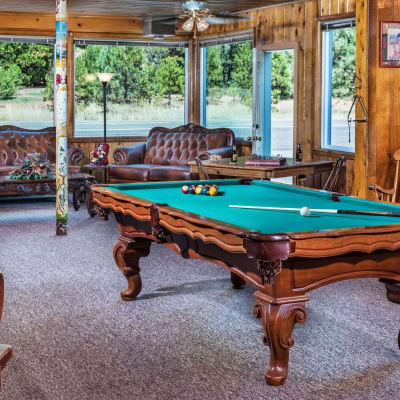 pool table and loung area St. Bernard Lodge