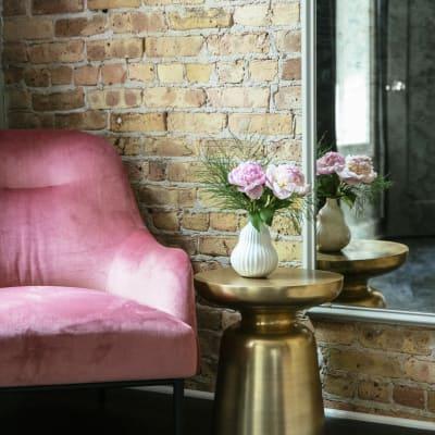 Sitting area at Wicker Park Inn