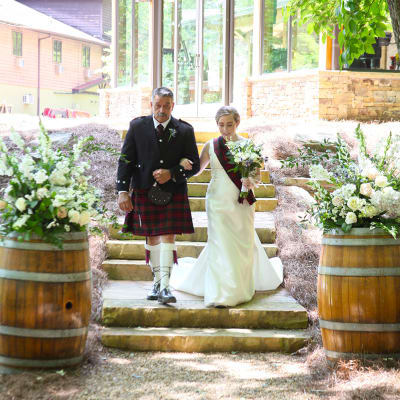 schedule a tour of the sylvan valley lodge wedding venue
