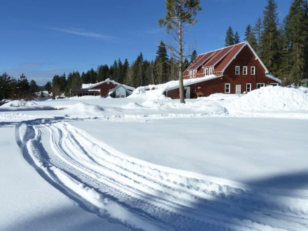 Our Favorite Winter Activities in Lassen Volcanic Park