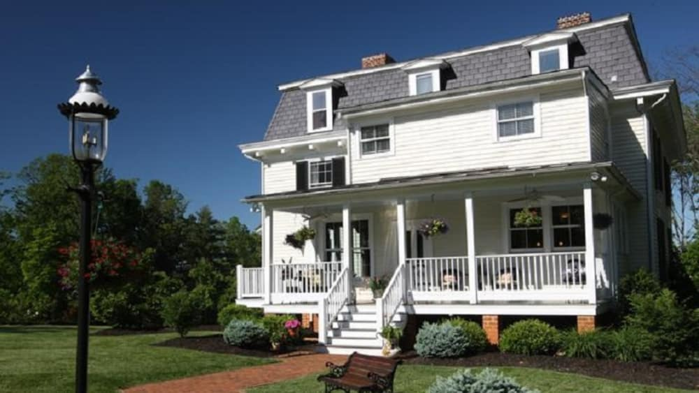 Member Spotlight: Chestnut Hill Bed & Breakfast