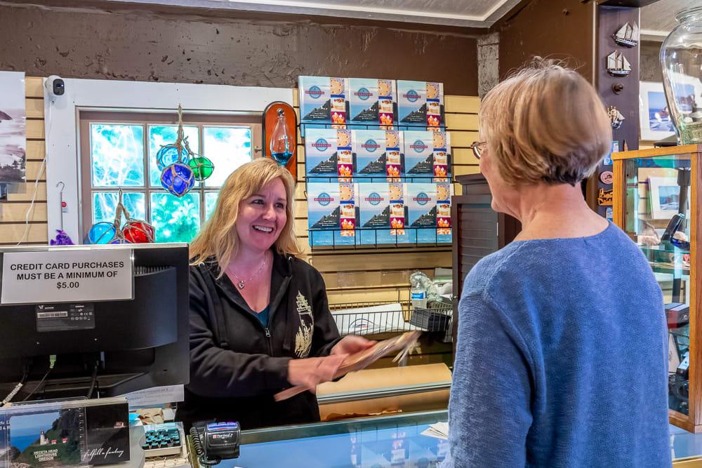 Lead Sales Associate - Gift Shop