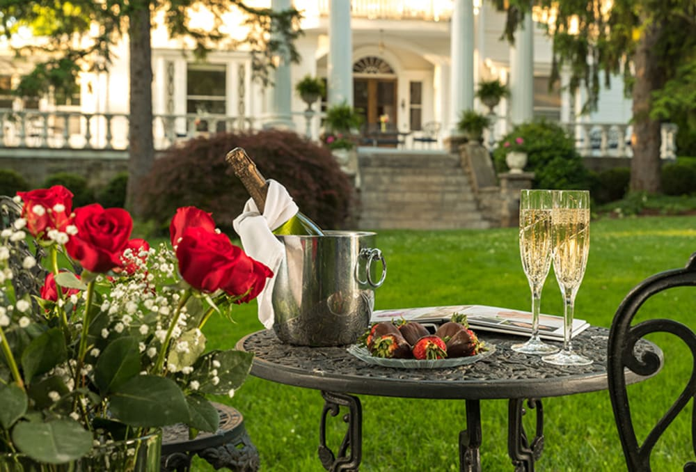 Romance at the Albemarle Inn