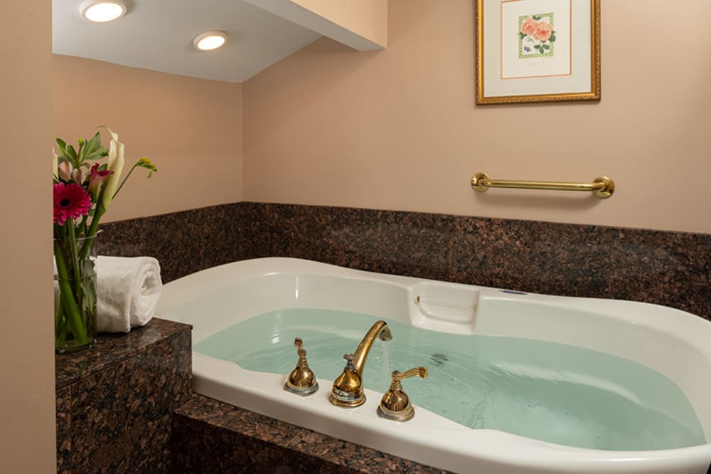 Whirlpool Tub for Two!