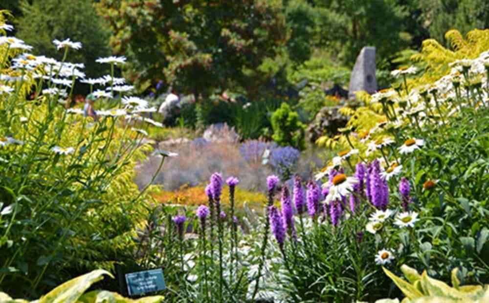 Gardens & Nature Centers