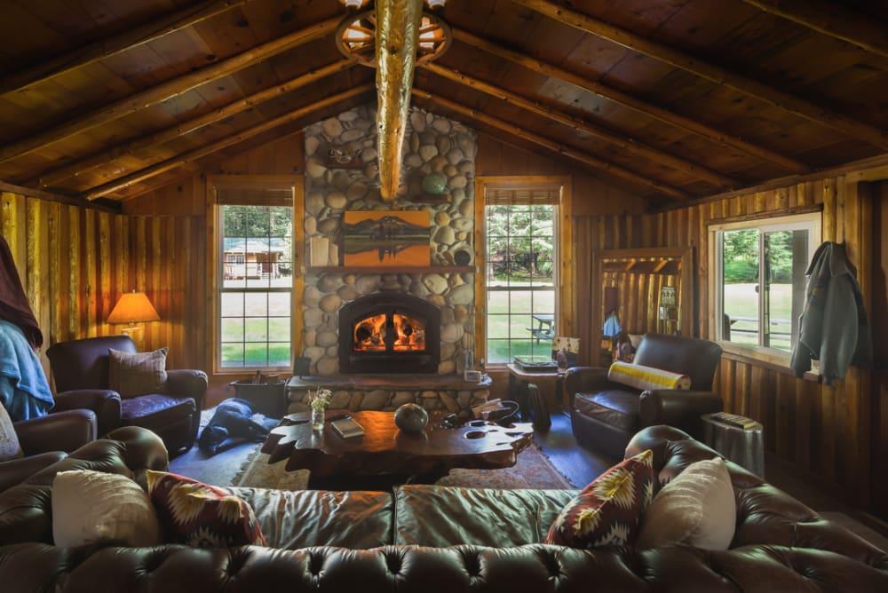 Chris Murray Captures Half Moon Bar Lodge