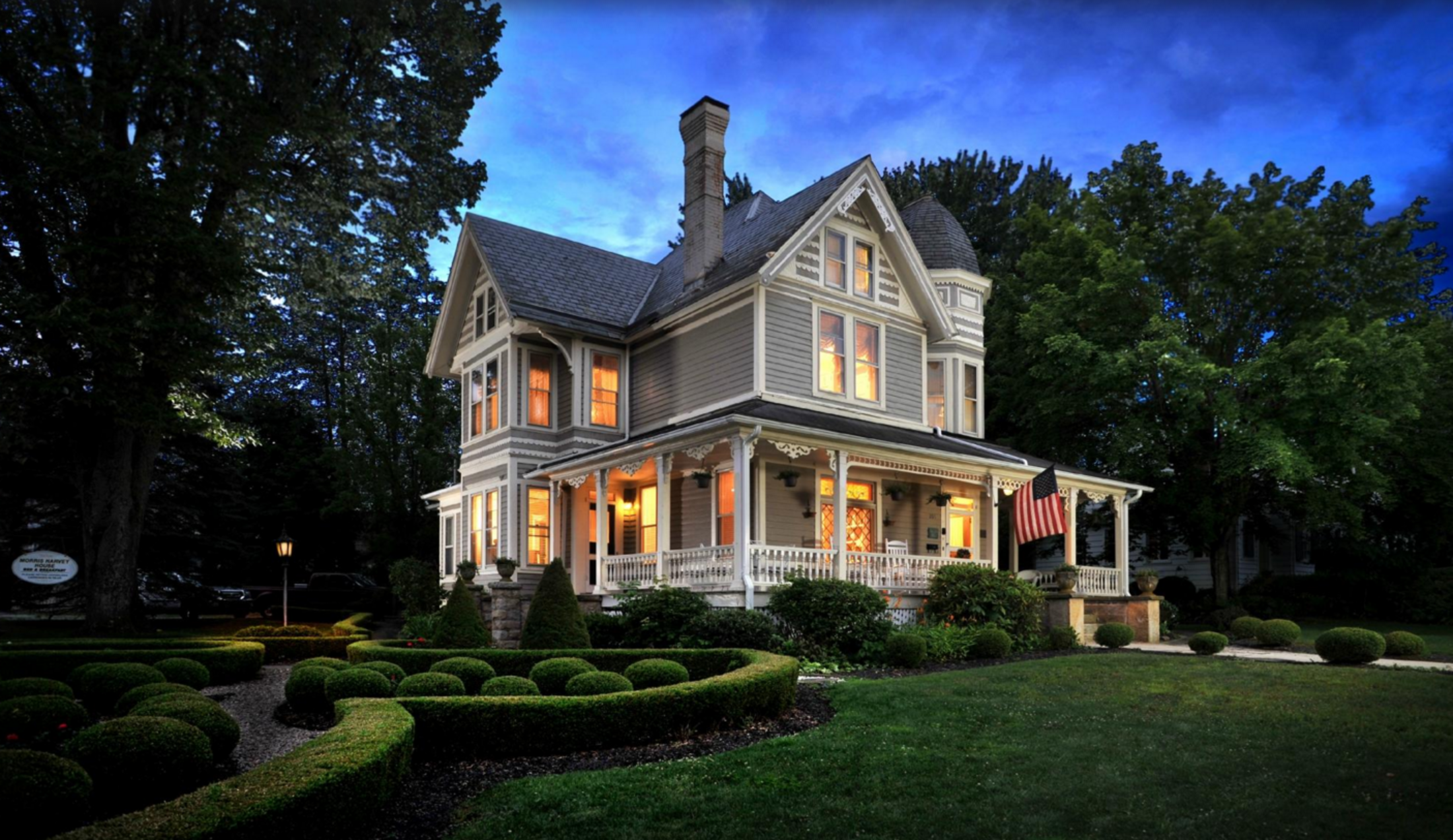 The historic morris harvey house bed breakfast for Bed and breakfast home