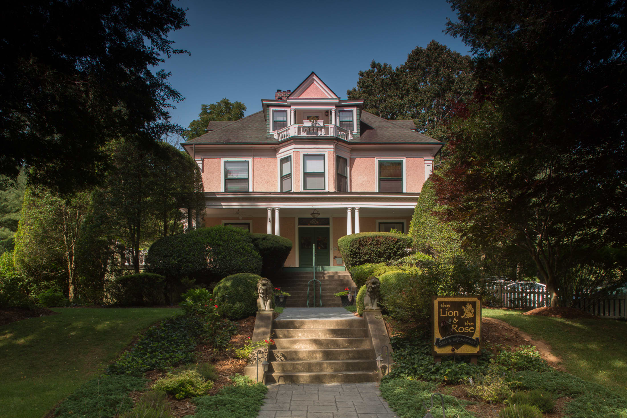 The Lion And The Rose Bed And Breakfast Asheville Nc