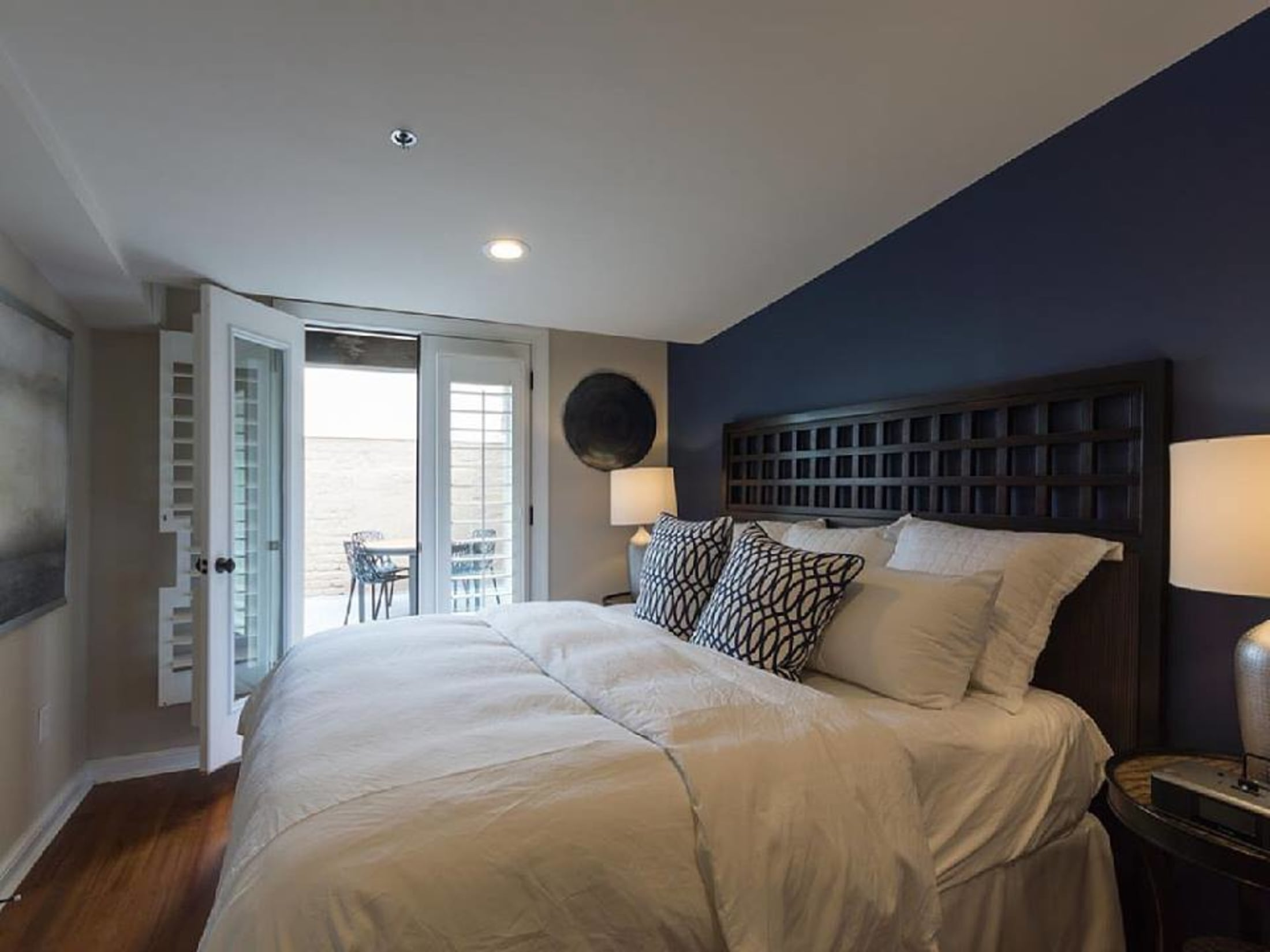 Guest suites with full kitchens the quarters on king in - 2 bedroom hotels in charleston sc ...