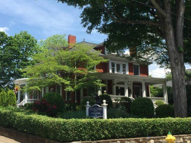 Featured Inn: Chestnut Street Inn